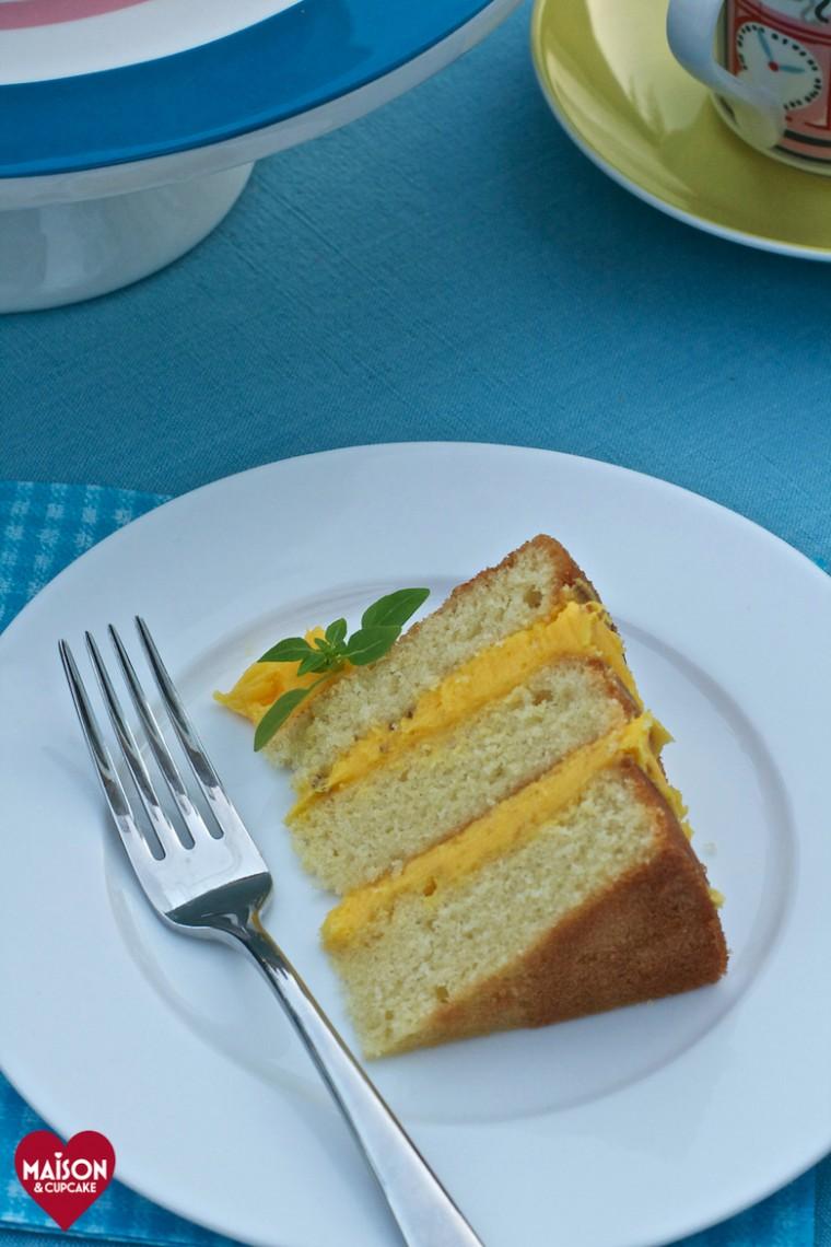 Make this naked lemon layer cake by MaisonCupcake.com