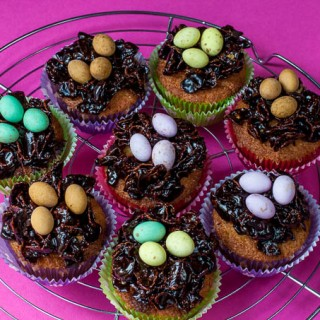 Sticky chocolate Easter nest cupcake recipe (with Stork)