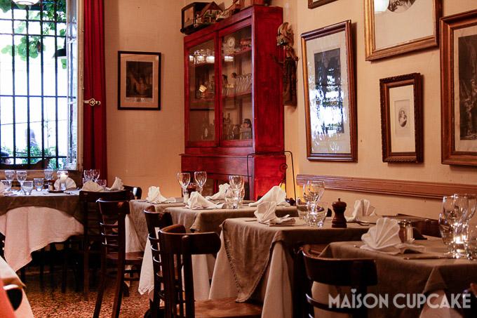 La Gousse D'Ail restaurant interior in St Remy de Provence, France