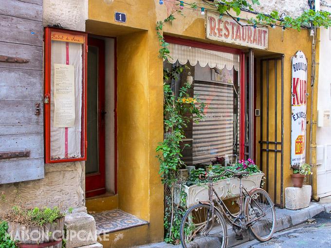 Pretty shop front, Bistro Assiette Marie, St Remy de Provence