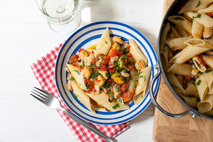Chilli mussels with pennoni pasta recipe