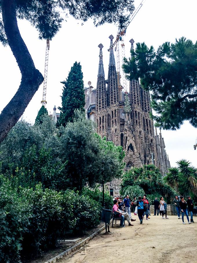 Sagrada Familia exterior Barcelona