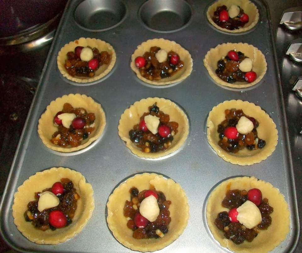 Cranberry mince pies