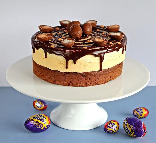 Creme Egg Mousse Cake