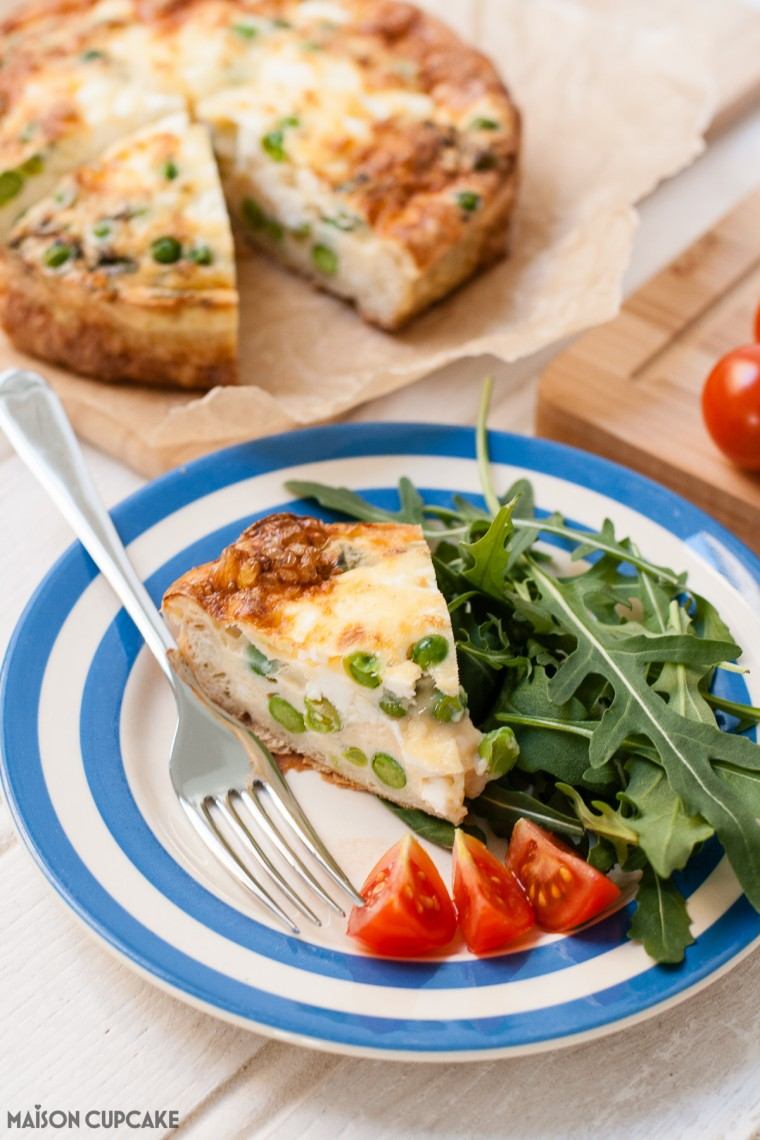 Crustless quiche with pea, mint and feta cheese - easy tasty recipe using shortcrust pastry for spring summer picnics and packed lunches