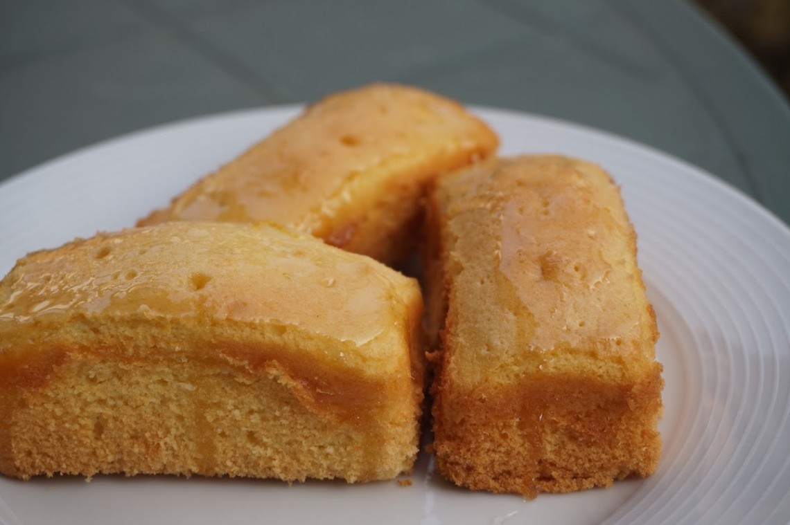 luscious lemon cakes
