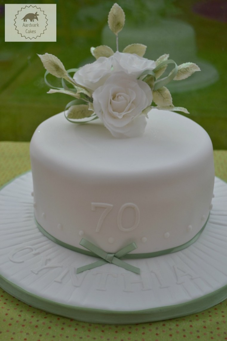 botw-70th-Birthday-Cake-White-Roses