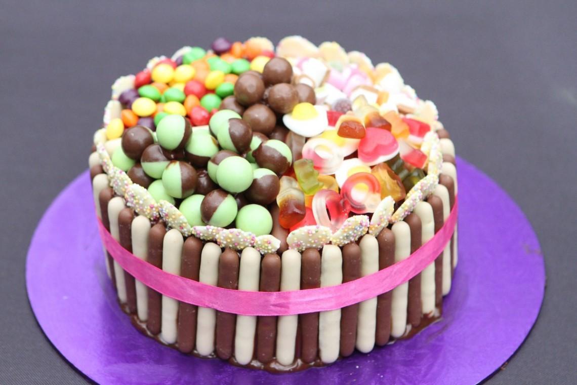botw-choc-fingers-cake