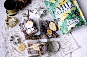 Cheese and Pineapple Sticks - Posh Version - Maison Cupcake