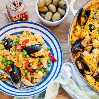 Twenty Minute Paella (with Iceland Frozen Fish)