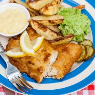 Combi Microwave Potato Wedges for Chip Shop Fish Supper