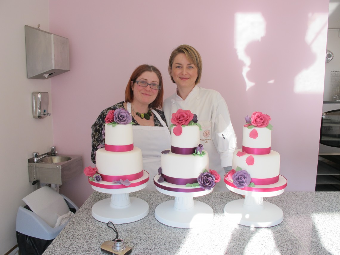 Peggy Porschen and Sarah Trivuncic at wedding cake class